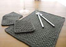 Individuales rectangulares tejidos a crochet con 4 puntos
