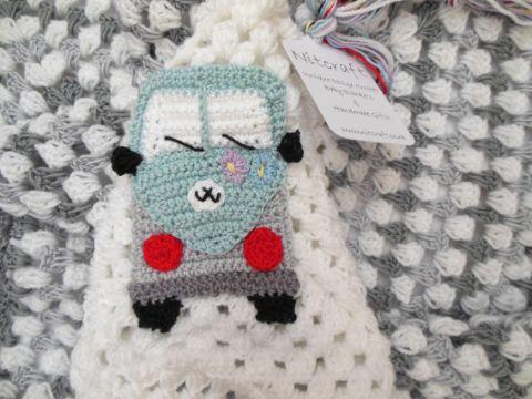 mantas a crochet para bebe con dibujos infantiles