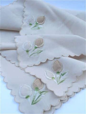 orillas para servilletas de una vuelta bordadas