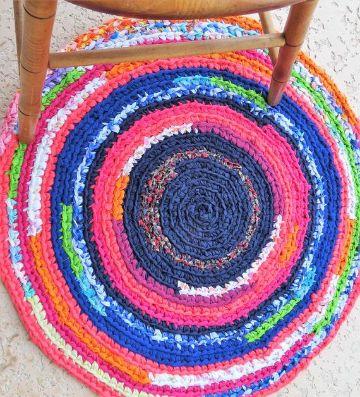 alfombras tejidas a crochet coloridas