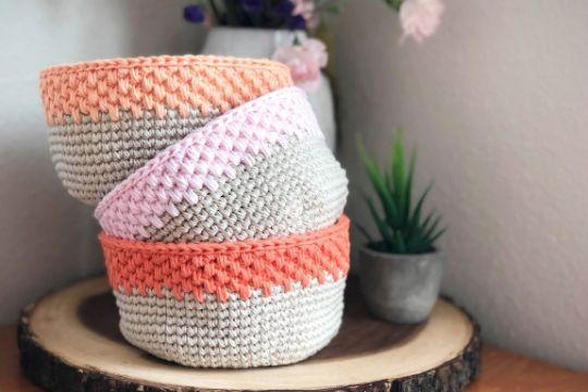 canastas tejidas a crochet bonita mezcla de colores