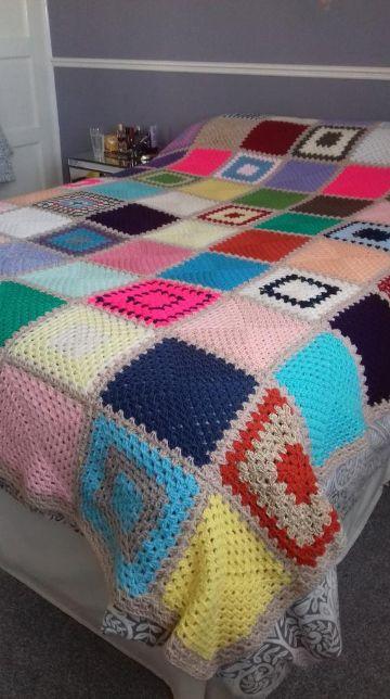 colchas tejidas a crochet a mano con muestras