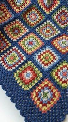 cuadros a crochet para cubrecama colorido