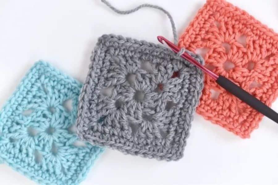 cuadros a crochet para cubrecama puntadas simples