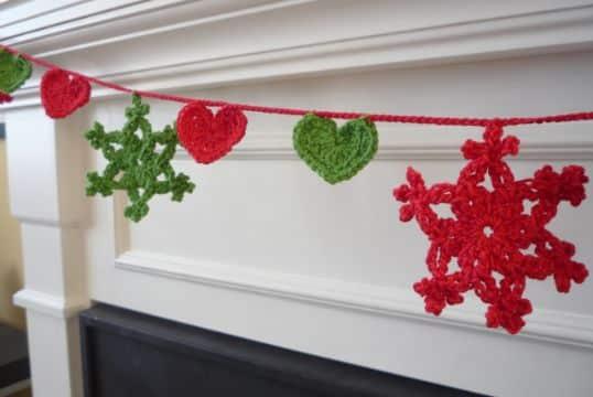guirnaldas tejidas al crochet para navidad