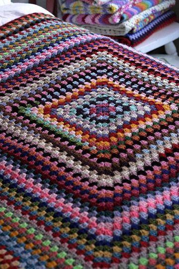 tejidos de colchas a crochet coloridas