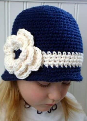 gorros tejidos a crochet para niñas tipo sombrero