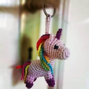 llaveros a crochet de animales unicornio