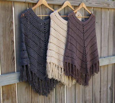 patrones de ponchos a crochet flecos