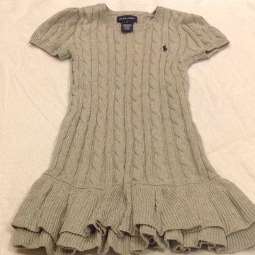 vestidos tejidos para niñas con capas en la falda