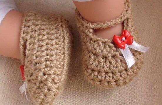 zapatos de bebe a crochet con listones
