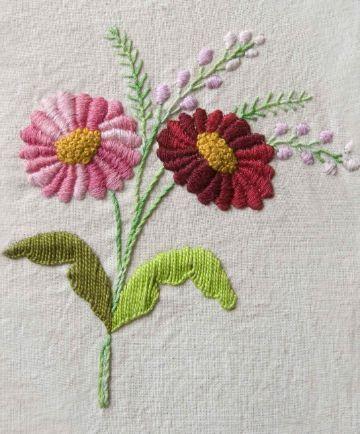 bordados en cinta para manteles flores