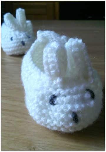 botitas de bebe a dos agujas conejos