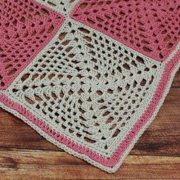 caminos de mesa tejidos a crochet con muestras