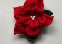 Sencillas flores de navidad a crochet con lana del numero 4