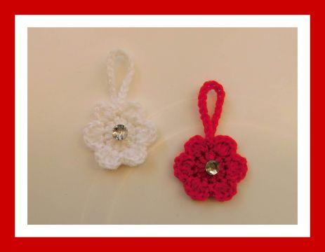 flores de navidad a crochet pequeñas para colgar