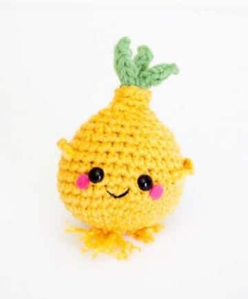 frutas y verduras tejidas a crochet con rostros
