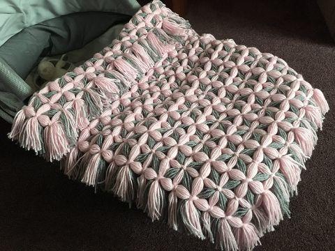 mantas tejidas a mano con flecos