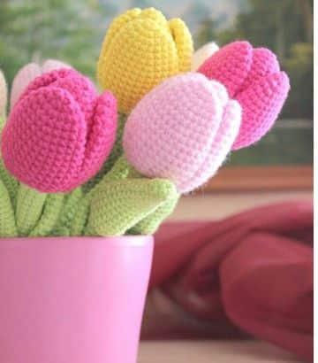 tulipanes tejidos a crochet amigurumi