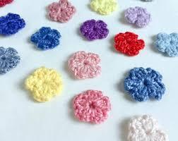 tejidos a crochet flores y hojas pequeñas