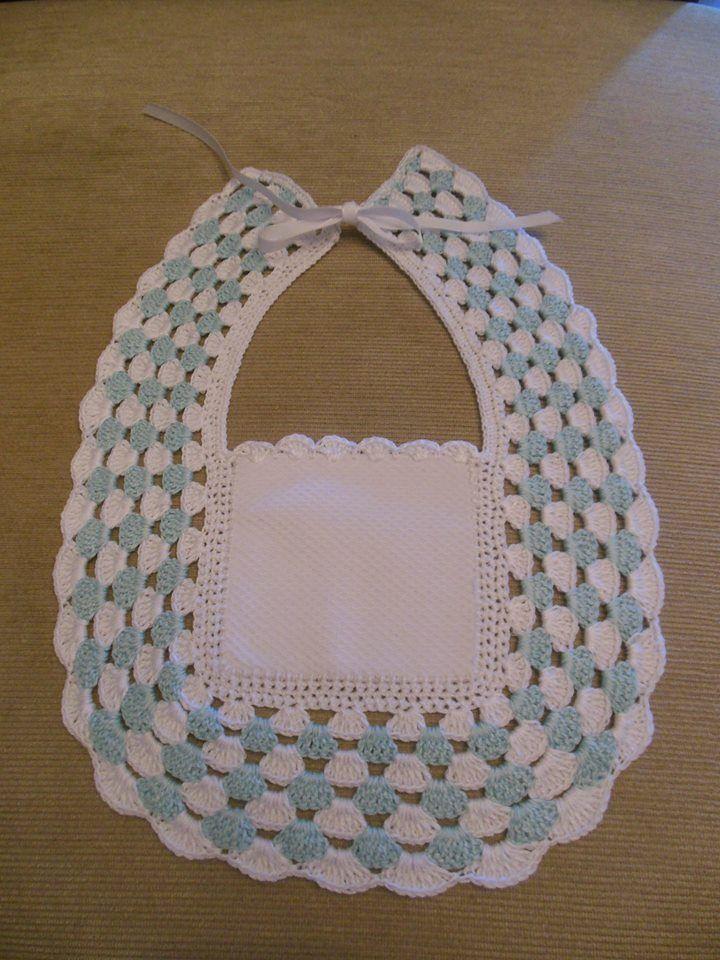 baberos tejidos a crochet y tela