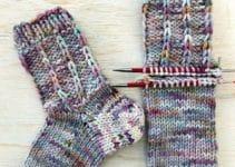 3 diseños en calcetines a dos agujas patrones sencillos
