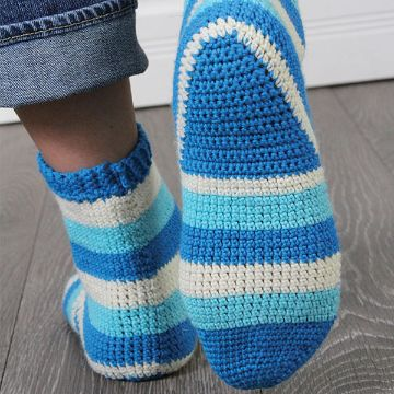 medias tejidas a crochet a diferentes tonos