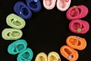 Bonitos zapatos en crochet para niña con gancho del 6