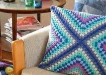 3 cojines cuadrados tejidos a crochet
