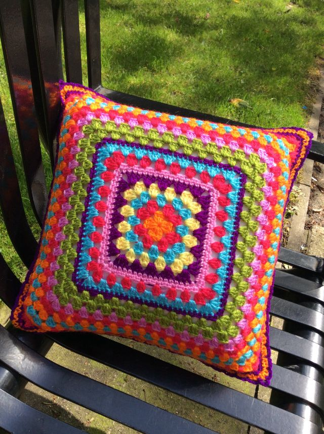 cojines cuadrados tejidos a crochet
