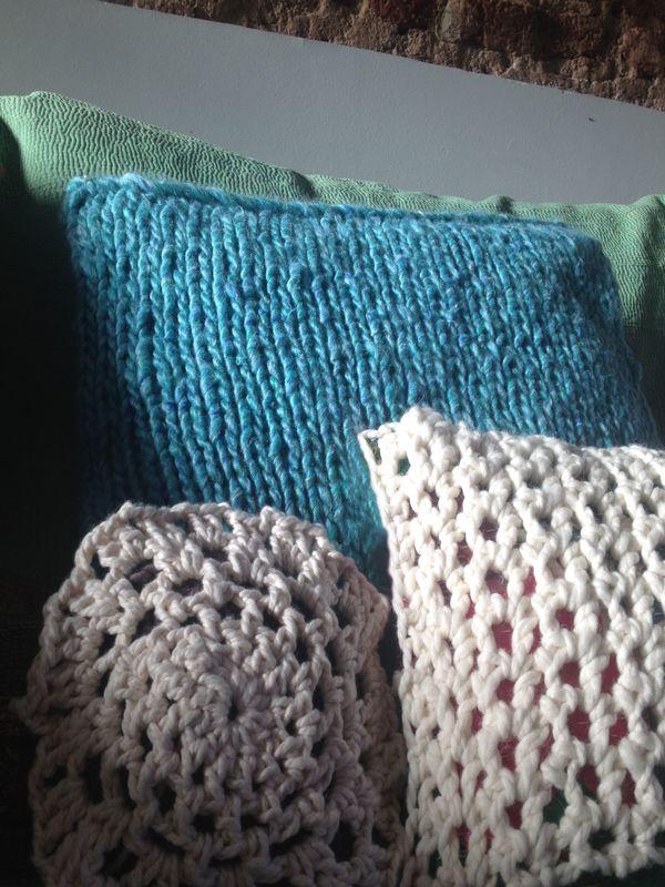 almohadas tejidas al crochet
