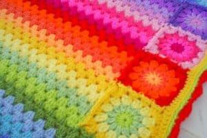 3 Colchas a crochet de colores