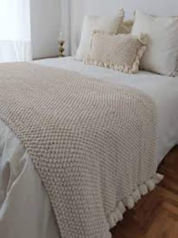 pie de cama tejida a crochet