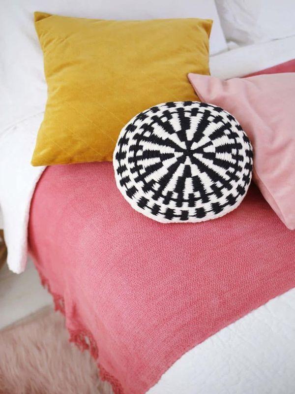 fundas tejidas para almohadas redondas
