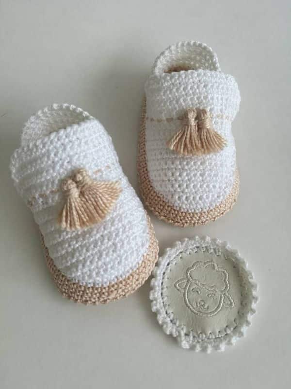 zapatos de bebe en crochet para bautizo