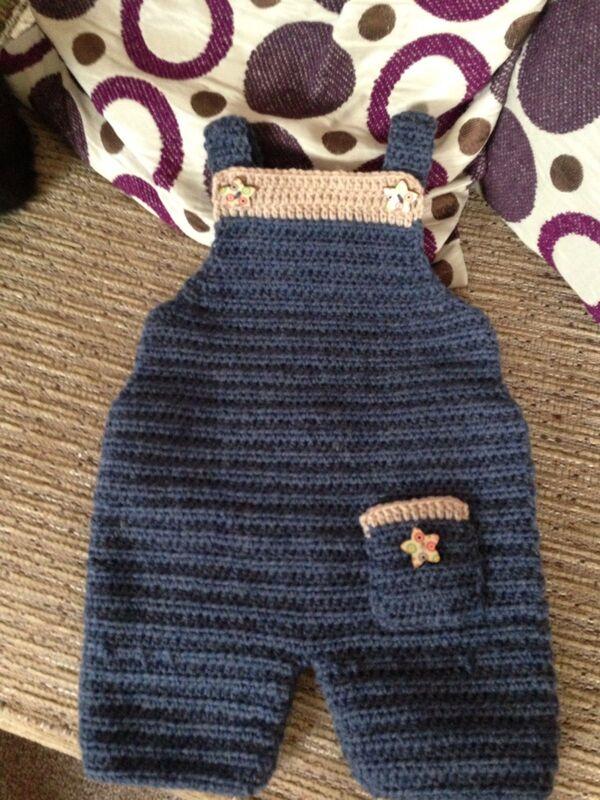 pantalones de bebe tejidos a crochet