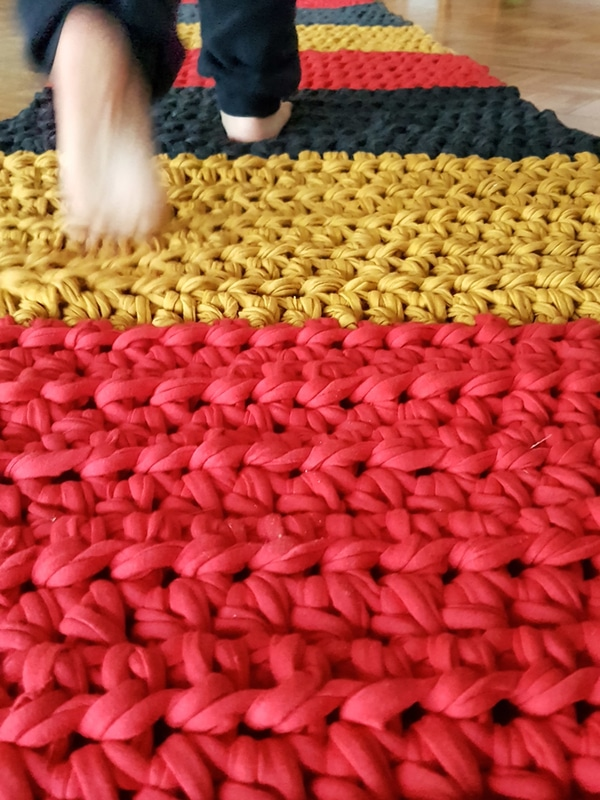 alfombra tejida a mano sencilla