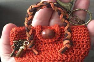 3 ideas de mini mochilas a crochet