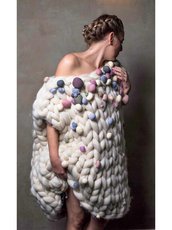 chaleco tejido con lana gruesa