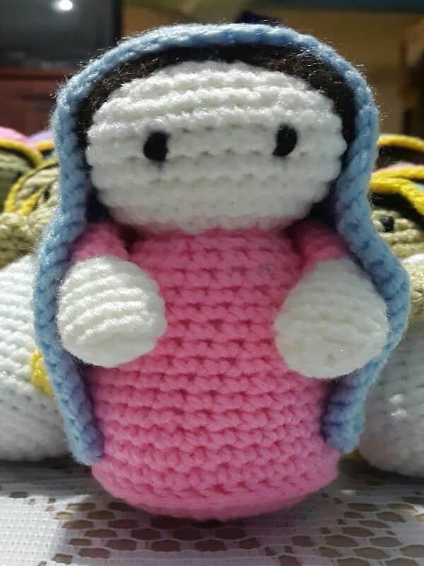 virgen tejida a crochet